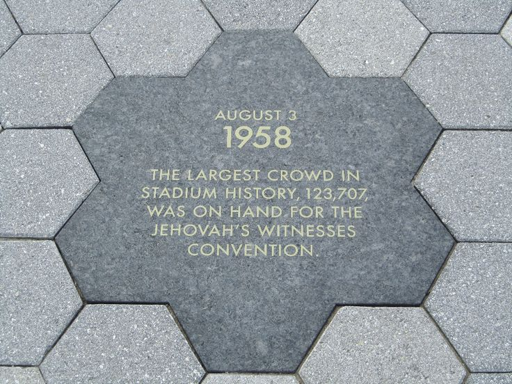 Jehovah's Witnesses are mentioned in a plaque at the new Yankee Stadium in New York!