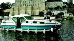 Nicols  1100 bateau sans permis sablé sur sarthe