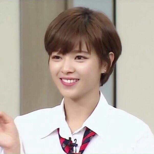 pictures of haircuts with bangs yoo jungyeon 유정연 정연 트와이스 jungyeon 3190