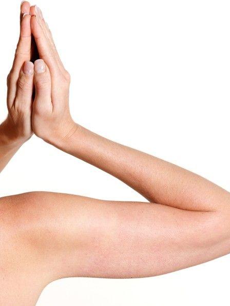 Hast du dich auch schon mal gefragt, was das für kleine Pickelchen an der Rückseite deiner Arme sind?