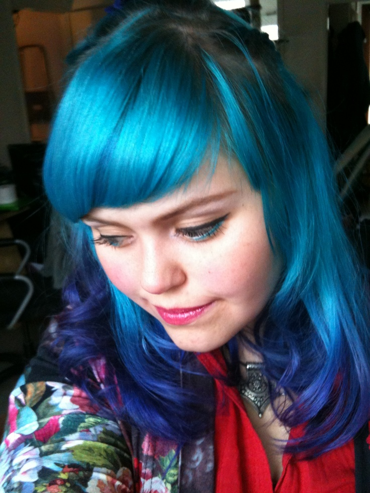 The lovely @Aodhamair  Colours used:  Manic Panic — Electric Banana  Directions — Midnight Blue  Directions — Turquoise