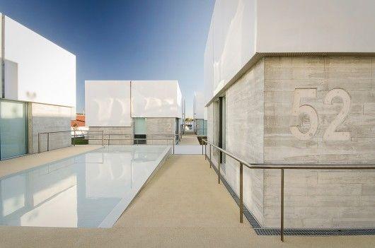© Ricardo Oliveira Alveshttp://www.archdaily.com/591843/social-complex-in-alcabideche-guedes-cruz-arquitectos/ Social Complex in Alcabideche / Guedes Cruz Arquitectos