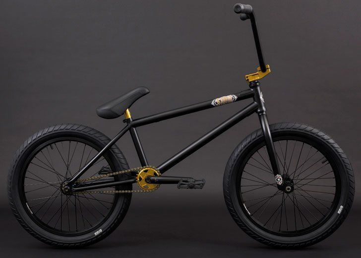 2017 Flybikes Sion Complete in matte black with dark gold parts.  http://bmxunion.com/daily/sneak-peek-flybikes-2017-sion-complete/   #BMX #bike #bicycle #black #gold #2017 #style #design
