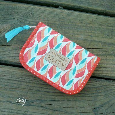 Barvy a styl ... : Korálové a mentolové lístečky a puntíčky...