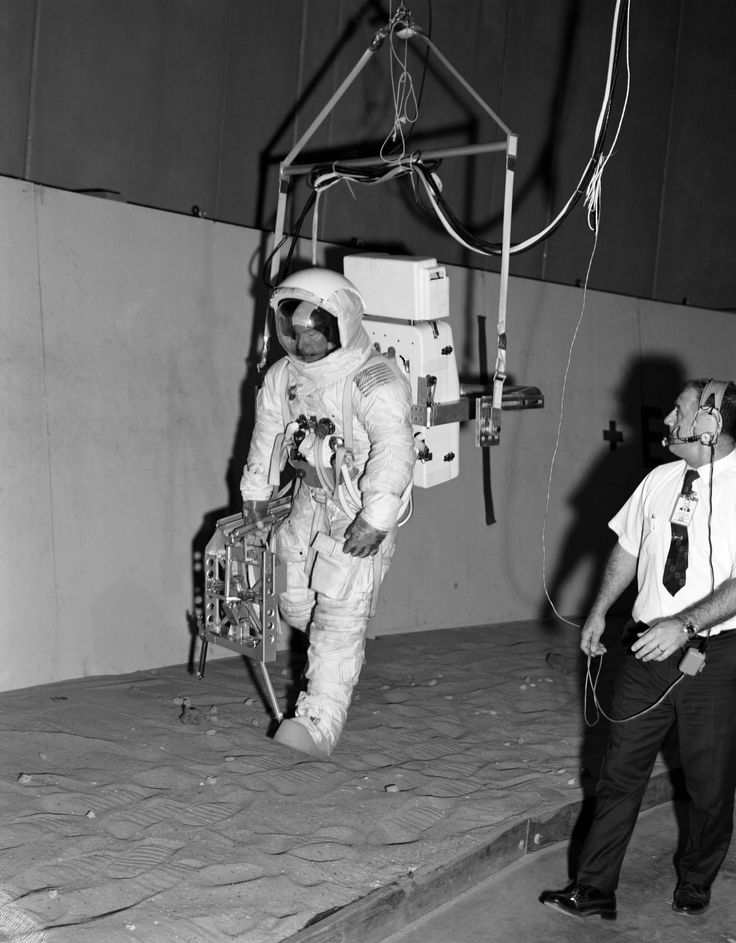 Apollo 13 astronaut, Jim Lovell, trains for a walk on the moon he would never make. | Via Reddit