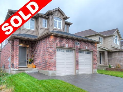 2 Year Old, 3 Bedroom, 2.5 Bathroom, with Granite Countertops in Oakridge Crossing! -   $314,888 -  http://www.JeffBroughton.ca/listing/cms/1047-oakcrossing-rd-london/ -   #RealEstate #ForSale in #London #Ontario by #Realtor