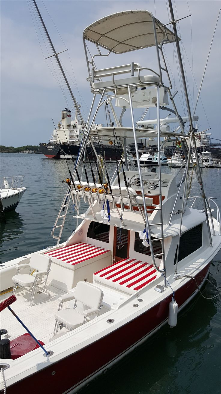 Mad Marlin Lodge has five 31 Bertrams known as one of the best sport fishing boats boats ever built.  Our Mad Marlin is our flagship charter boat equipped with state of the art electronics and professional fishing gear to give our customers the spectacular deep sea fishing trips of a lifetime.