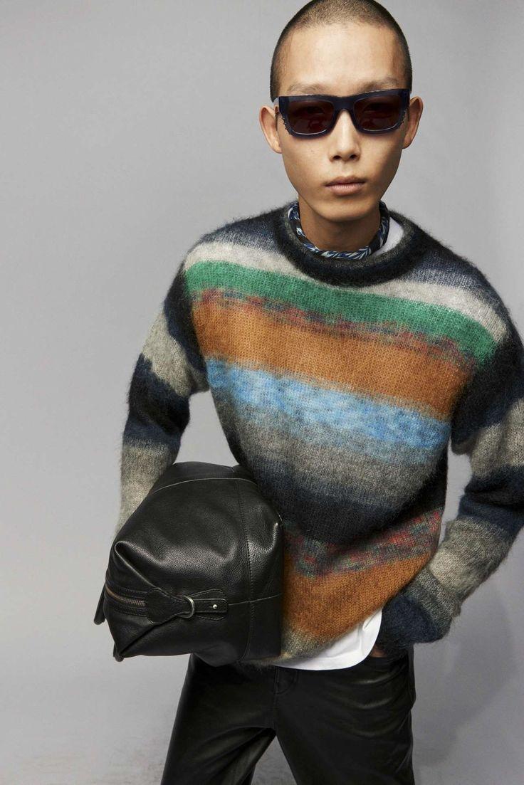 Zadig & Voltaire adapta la irreverencia urbanista a su colección Fall-Winter 2021 Paris Fashion, Runway Fashion, Fashion Beauty, Male Fashion Trends, Fashion News, Vintage Couture, Zadig And Voltaire, Fashion Show Collection, Fashion Brand