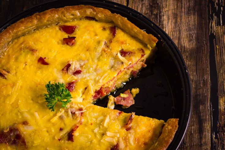 Quiche with bacon and cheese