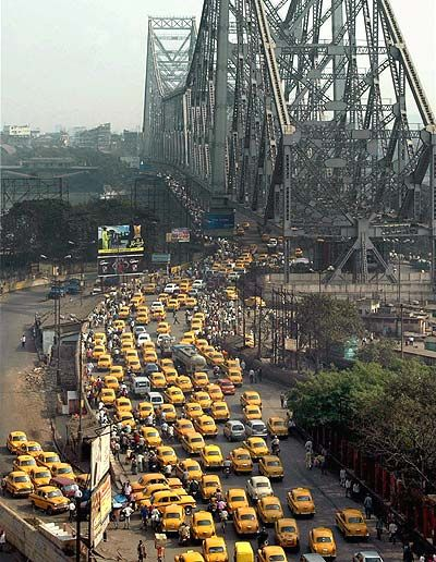Kolkata - City of yellow taxis and Hawarah Bridge. ..#hearttravel West Bengal Taxi r #WestBengal State, #travel #tourism #kolkata #art #desi #socialmedia #india #kantinathbanerjee