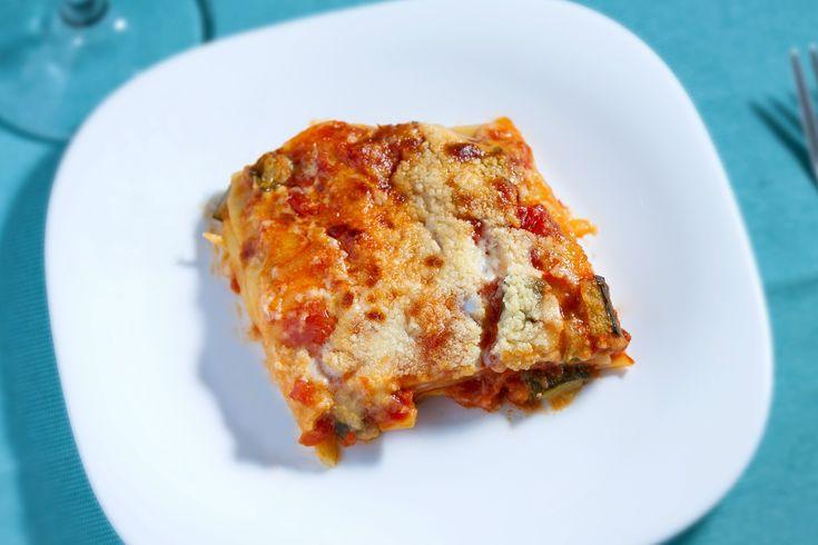 Tii post, dar ai pofta de un preparat mai consistent? Pregateste o lasagna de post! Iese la fel de buna si e chiar mai sanatoasa decat varianta traditionala.