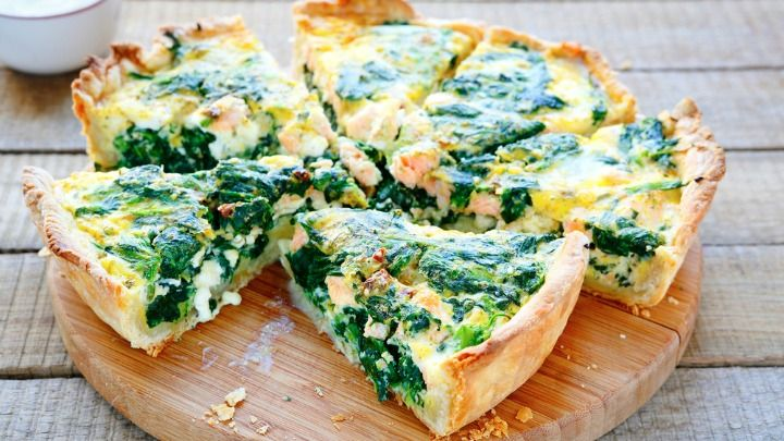Spinach and salmon quiche