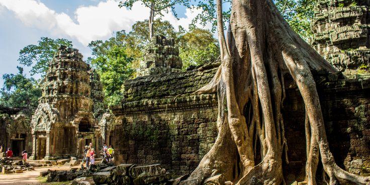 Храмы Ангкора - величественный памятник истории и архитектуры, который скрывает немало тайн.  Увидеть храмы Ангкора можно в рамках тура по Камбодже и Вьетнаму. Подробности здесь: http://cambofriends.ru/kambodzha-vietnam-tur/  Тур удачно сочетает в себе знакомство с культурой и историей этих стран и, конечно, пляжный отдых. Насыщенные программой дни чередуются с днями отдыха и расслабления. Маленькая группа, что позволяет гид-лидеру уделять максимум внимания каждому участнику. Конечно…
