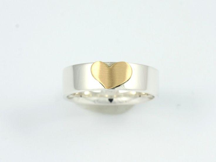Goldringe - Ring mit Herz - ein Designerstück von kerhub bei DaWanda