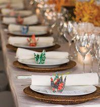 Paper cranes Korean wedding...//images.nymag. & 23 best korean table setting images on Pinterest | Table settings ...