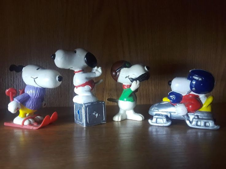 RARE OLD SNOOPY ITEMS! Grab these now! Rare Snoopy toys. Sports,United Features