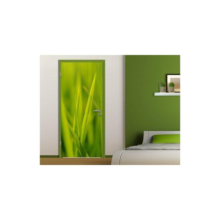 Fű mintázatú ajtóposzter. Rugaszkodj el a hagyományostól. Nem muszáj egy ajtónak fehérnek lennie!