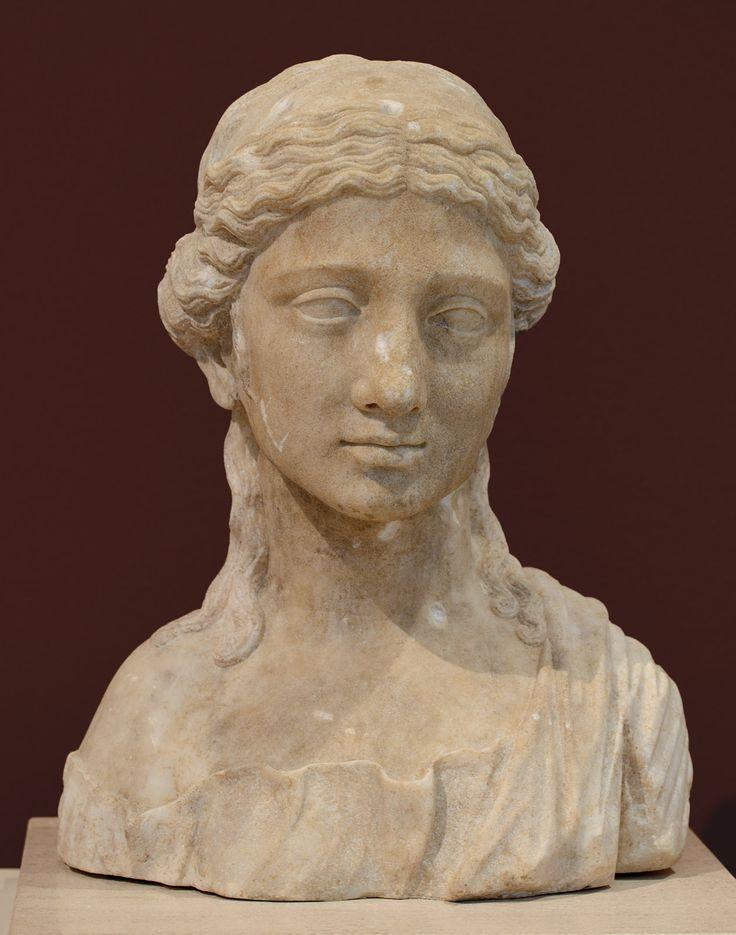 Female portrait. Patras, New Archaeological Museum (Πάτρα, Νέο Αρχαιολογικό Μουσείο Πάτρας)
