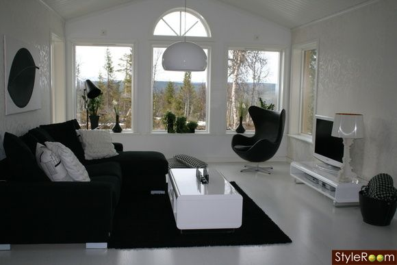 inspiration vit soffa och färg på fåtölj - Google Search