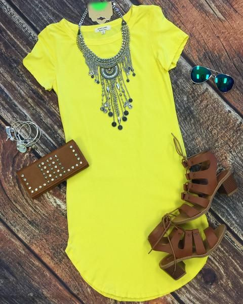 The Fun in the Sun Tunic Dress in Yellow is comfy, fitted, and oh so fabulous! A great basic that can be dressed up or down! Sizing: Small: 0-3 Medium: 5-7 Larg