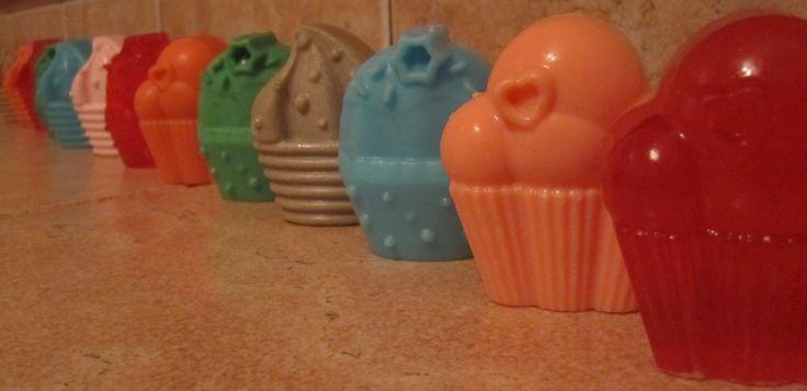 Handmade soaps for presents or christening favors Χειροποίητα αρωματικά σαπουνάκια για μπομπονιέρες βάπτισης ή δώρα
