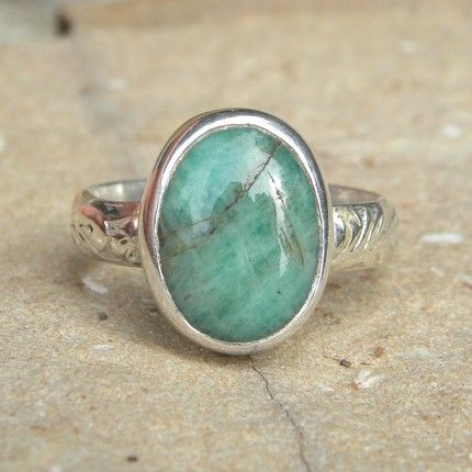 oval stone: Pretty Rings, Simple Emeralds, Stones Jewelry, Green Rings, Emerald Rings, Clothfashion Net, Turquoise Rings, Silver Rings, Emeralds Rings