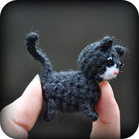 Grietjekarwietje: Haakpatroon Poes met kitten / Amigurumi pattern Cat with Kitten