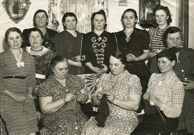 The long and winding history of knitting bees in Timmins
