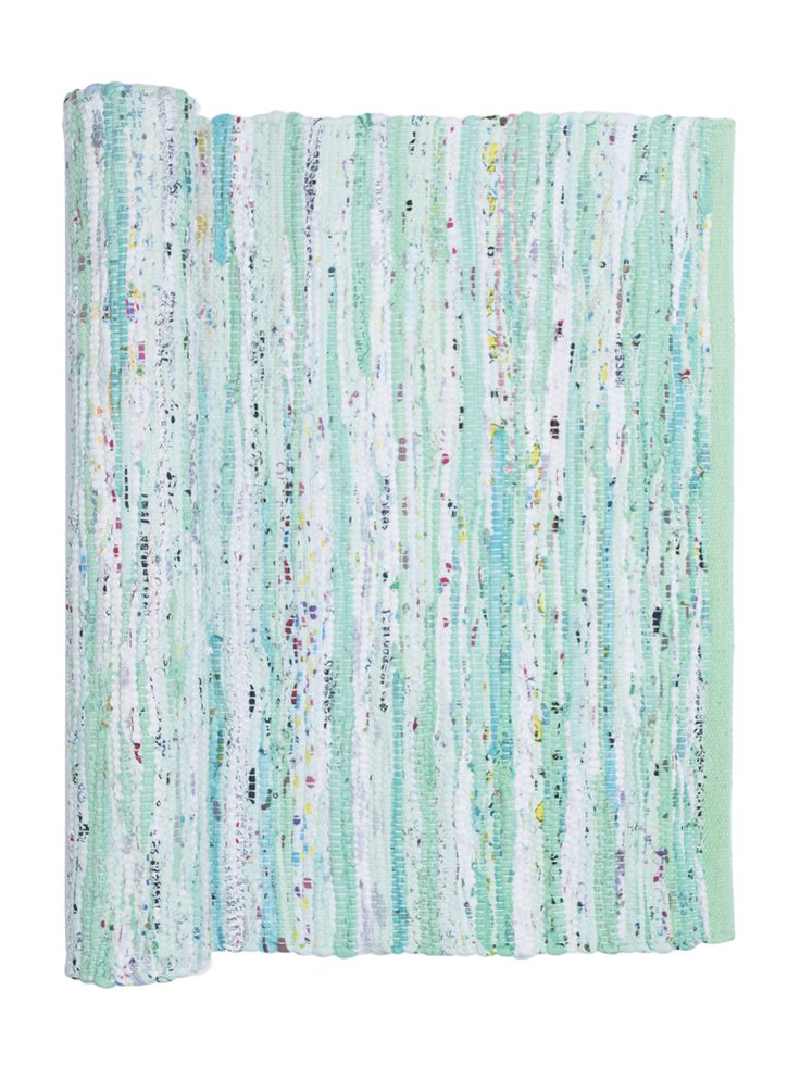 Our green mix saga rug is perfect for a child's bedroom and is 100% machine washable! Gifts, rugs and inspiration for bedrooms and home decoration from Skandihome.com