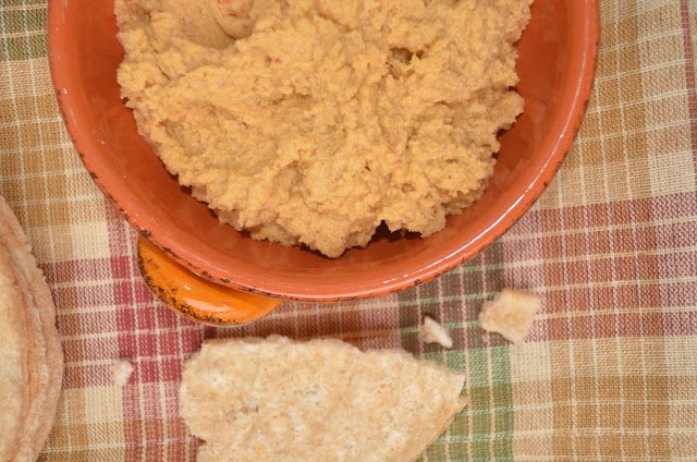 Skinny Buffalo Wing Hummus | Endometriosis diet | Pinterest | Buffalo ...