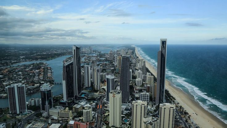 Gold Coast sunset timelapse taken from Q1 comprising of 400 photos taken over a 2hr period #timelapse #goldcoast #australia #surfersparadise #queensland #q1 #sunset #holiday #travel