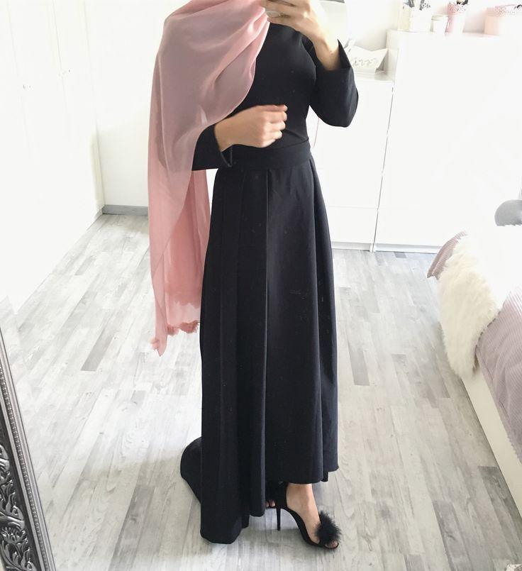 swipe Hijab @hijabpearl.b (auch in anderen Farben erhältlich) Dress / Kleid / Elbise @ezaboutique (37,90€ - mit dem code 'ebru' kriegt ihr noch zusätzlich 20%)