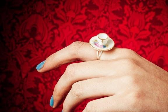 teacup ring: Teacups Rings, Teas Time, Teas Cups, Hatters Teas, Pretty Things, Parties Rings, Vintage Teas Parties, Tea Cups, Vintage Tea Parties