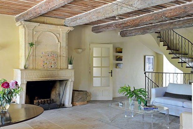Rénovation spectaculaire d'une maison de charme provençale