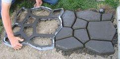 Concrete Cobblestone Path...a nice DIY