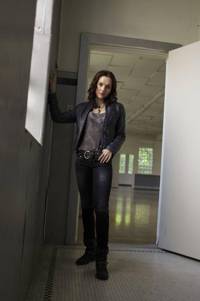 Promo shot of Rachel Miner