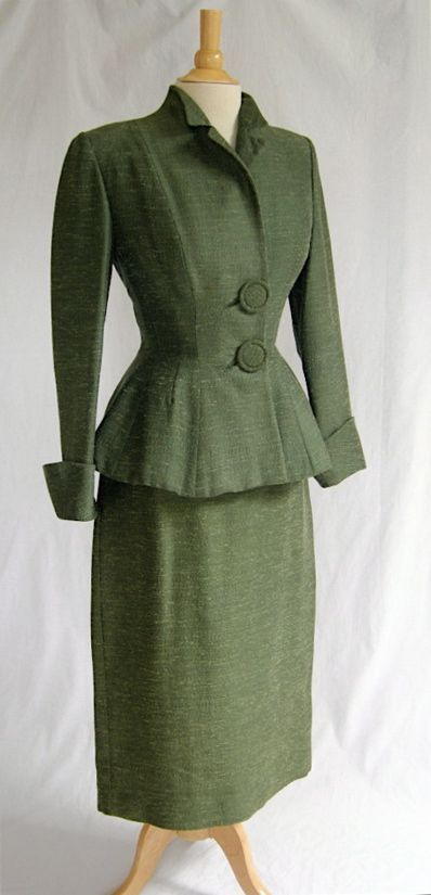 Wonderful green Lilli Ann Suit, 1940s. Mom wore suits like this & wool when I was little in the 50's & 60's