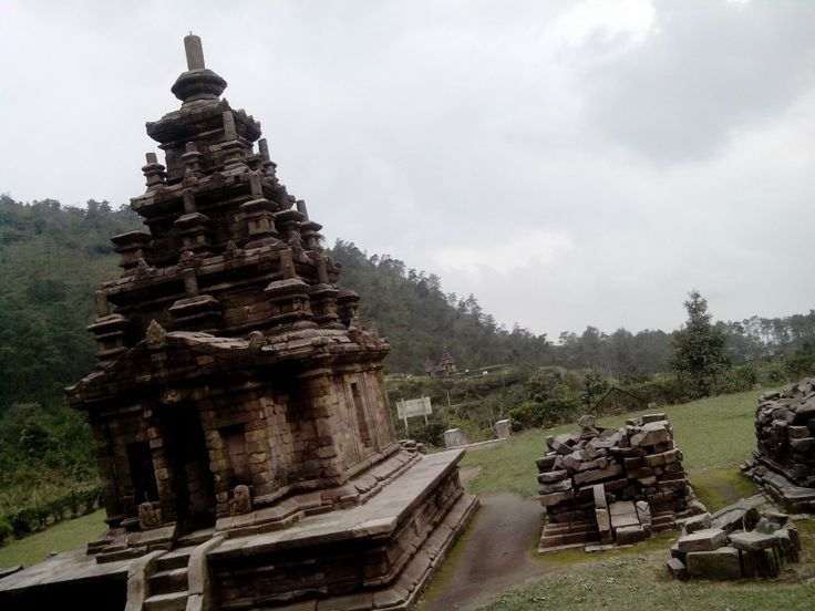 The last temple in gedong songo..