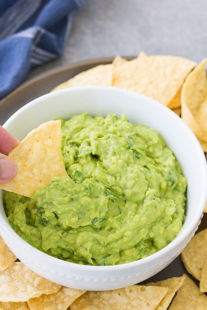 The Best Guacamole Recipe With Tips For How To Make Guacamole That Turns Out Perfect Every Time Making Authentic Guacamo Comida Comida Mexicana Comida Bebida