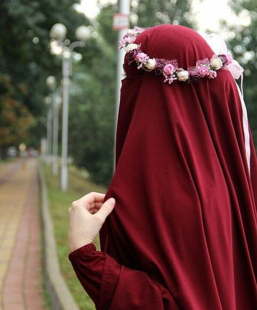 flower crown for a niqabi