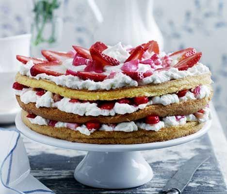 Mormors jordbær-rabarber-lagkage