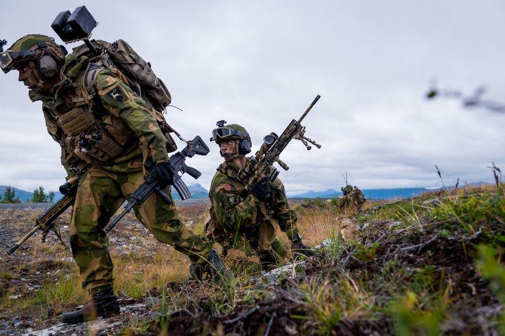 Norwegian Army marksmen [4000 x 2670]
