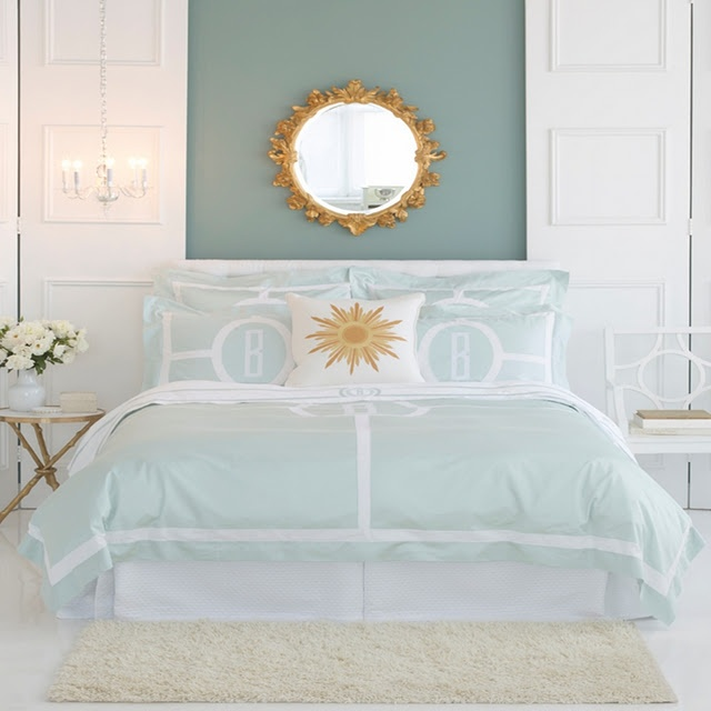 Do you call the wall colour teal?  I love it with the gold