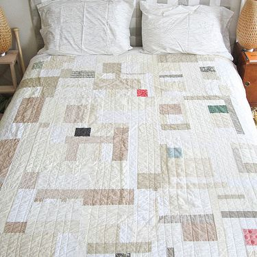 Neutral Quilt by A_2_w via Threadbias