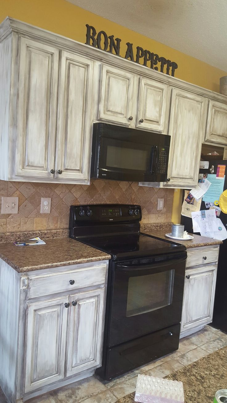 Adding Brown Sugar Glaze To These Cabinets Helped To Create More Of A Cus Glazed Kitchen Cabinets Painting Kitchen Cabinets White Diy Kitchen Cabinets Painting