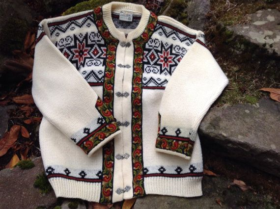 Norwegian wool sweater by Gann. Made in Norway-size by VikingRaids