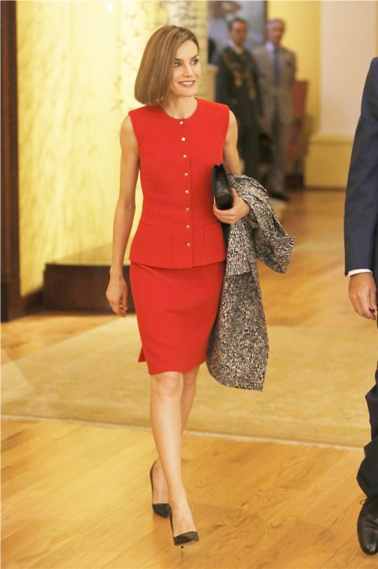 "Spain's Queen Letizia arrives to the ""Business Meeting Espana-Mexico"" in Mexico City, Mexico, June 30, 2015. REUTERS/Edgard Garrido"