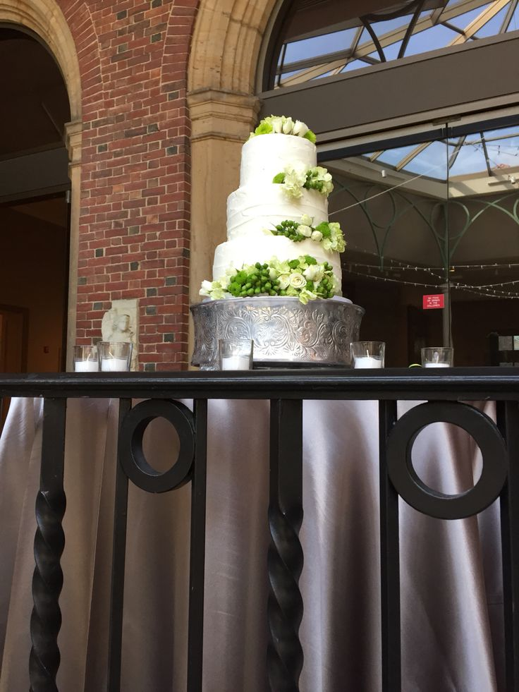 Amanda and Eric, Dayton Art Institute in Dayton Ohio . Flowers by Floral V  Designs
