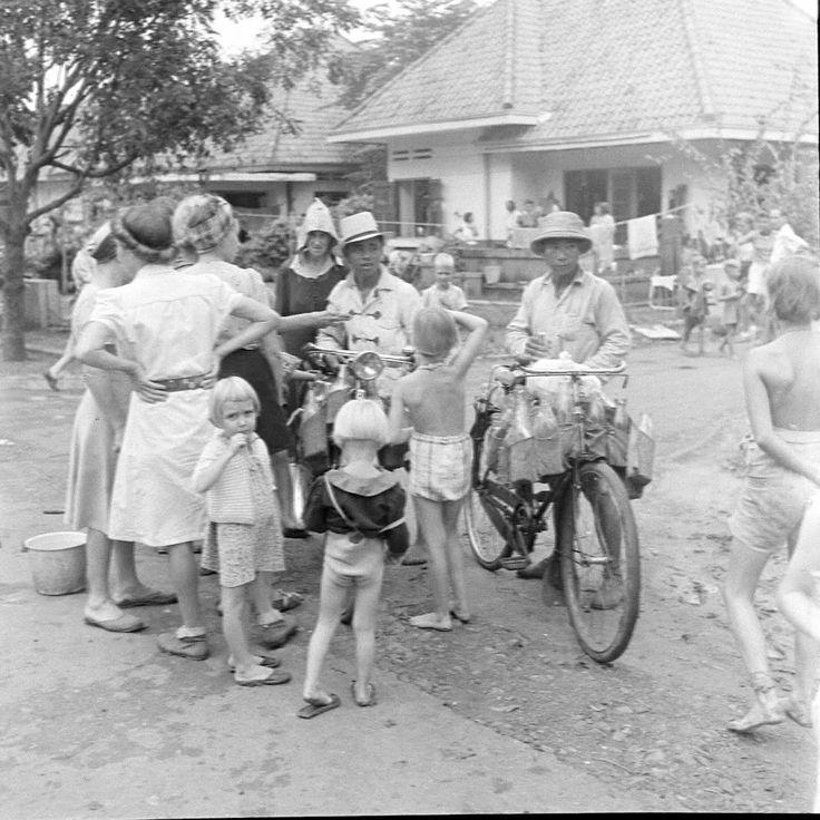 Tjideng camp Batavia November 1945. LIFE photo collection.