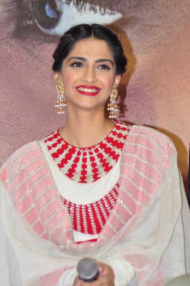 Sonam Kapoor images at Neerja promotion